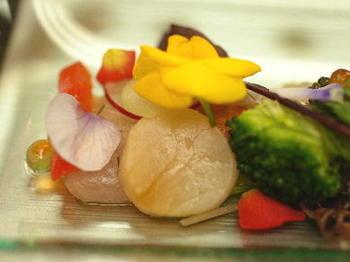 海の幸と春野菜のサラダ.jpg